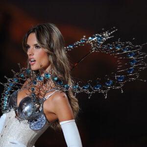 Alessandra Ambrosio wearing sculpture by Guilded artist Yasemen Hussein
